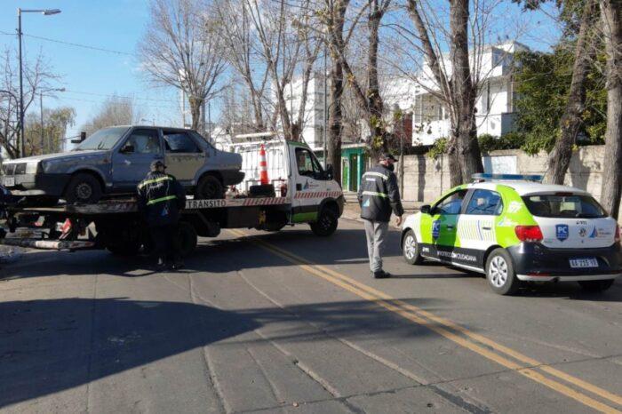 Remueven autos abandonados en San Fernando y refuerzan tareas de higiene urbana
