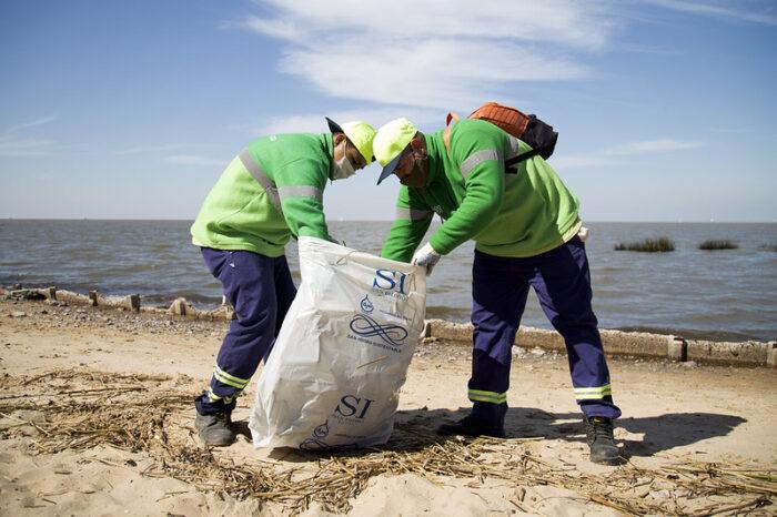 Con el foco en el cuidado ambiental: Despliegan un amplio operativo de limpieza en las costas de San Isidro