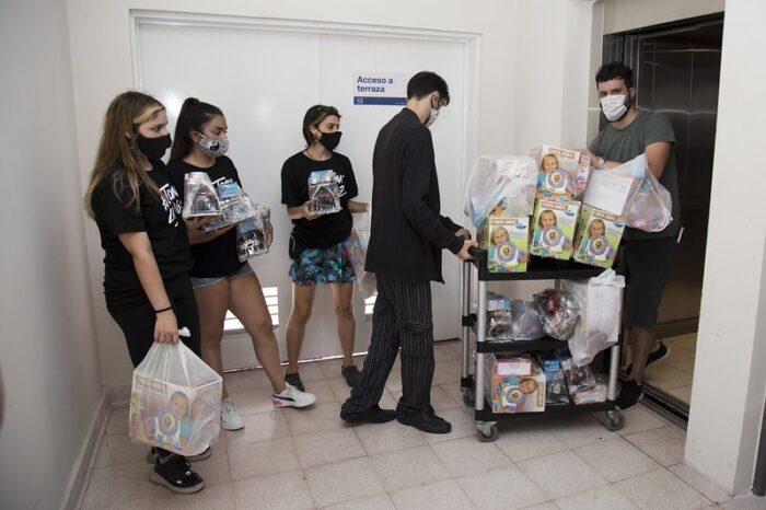 Navidad solidaria: Entregaron juguetes en escuelas, merenderos y el Hospital Materno Infantil de Boulogne