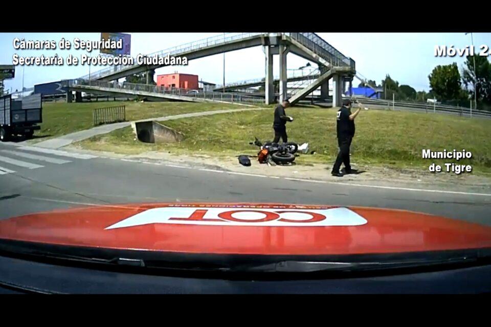Benavídez: Debieron asistir a un motociclista luego de un impactante choque contra una camioneta