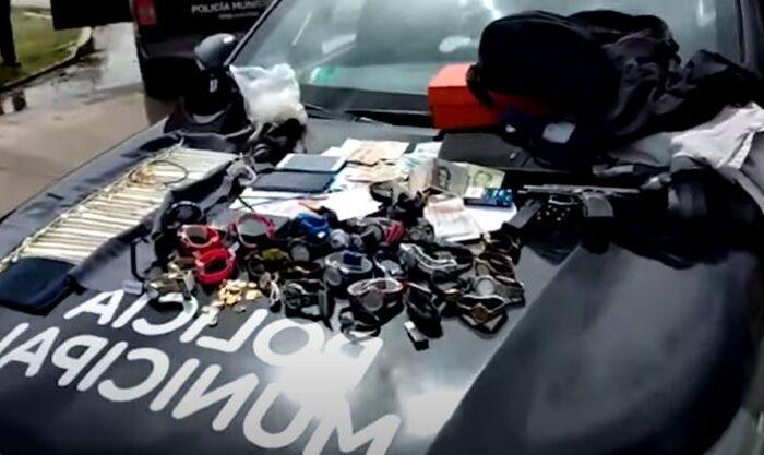 Persecución y tres detenidos en San Miguel tras el robo a una joyería