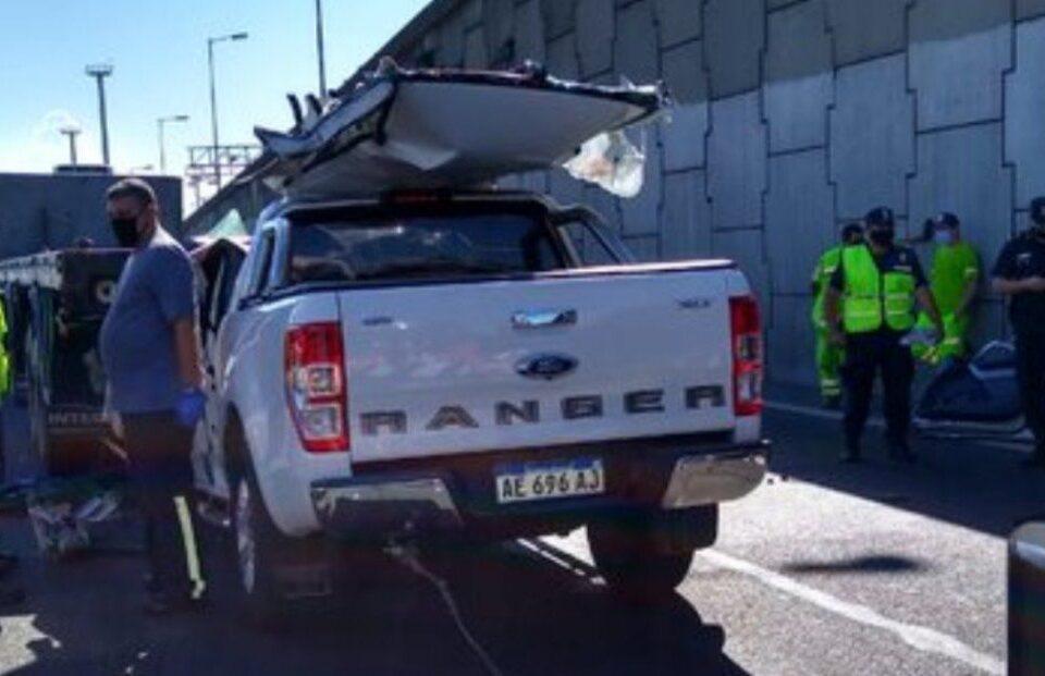 Un muerto tras un choque entre una camioneta y un camión en Vicente López