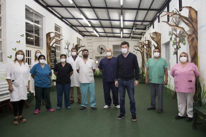 Pintan el hospital Materno Infantil de San Isidro para contener a los mas chicos
