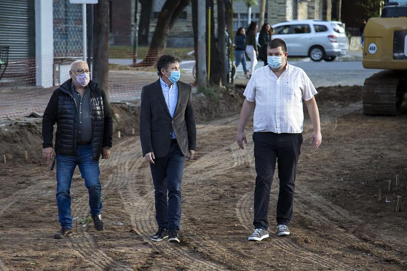 Avanzan los trabajos de pavimentación y renovación de cordones en Beccar