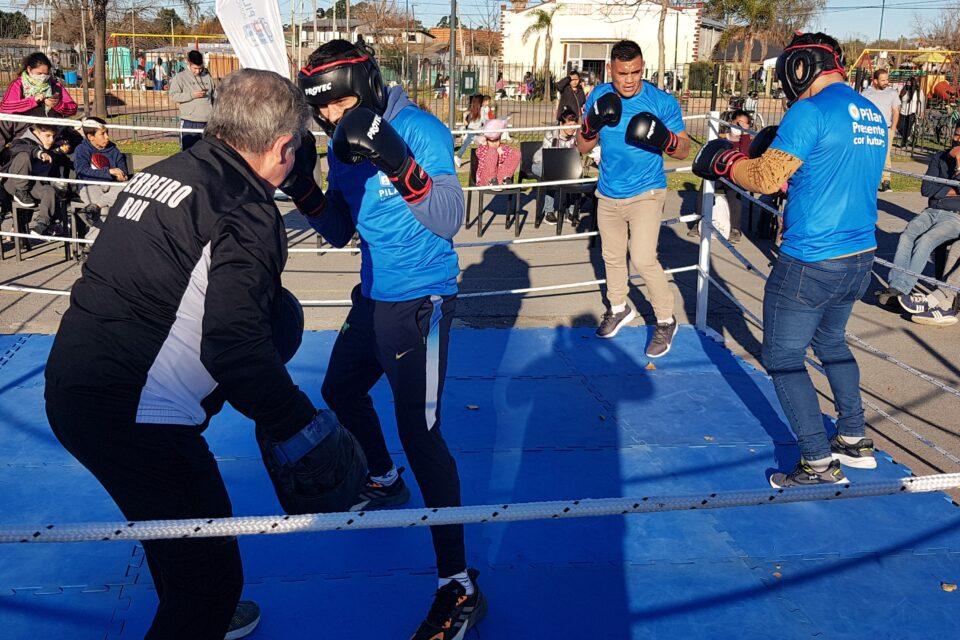 Pilar: Deportes organizó Clínica de Boxeo