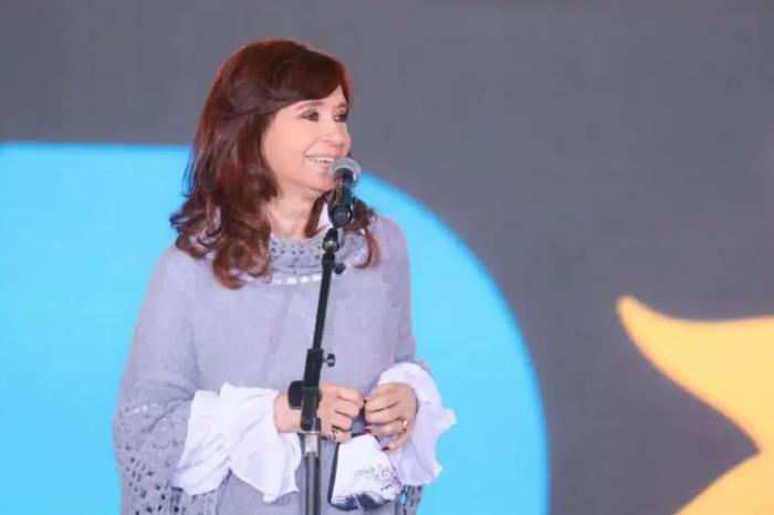 Con críticas al macrismo y a los medios, Cristina Kirchner cerró la campaña del Frente de Todos