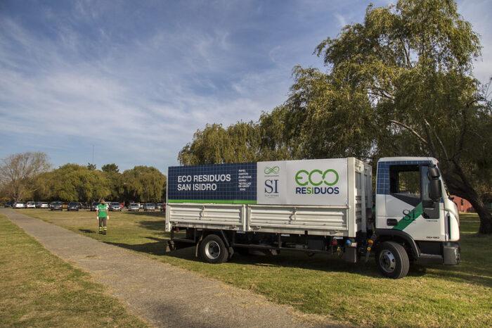 Inauguran en San Isidro un programa para recolectar residuos reciclables casa por casa