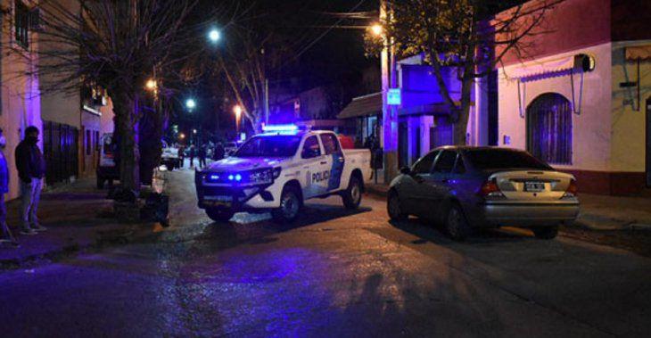 Entradera y tiroteo en Tres de Febrero: un jubilado baleó a dos ladrones en su casa y recibió un disparo en el rostro